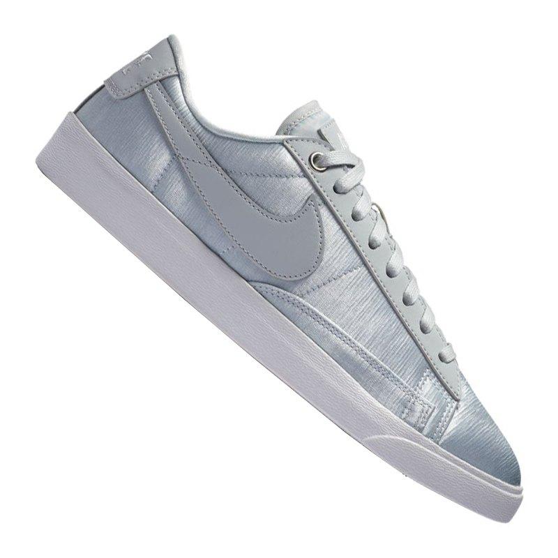 nike blazer low se sneaker damen silber f001 shoe. Black Bedroom Furniture Sets. Home Design Ideas