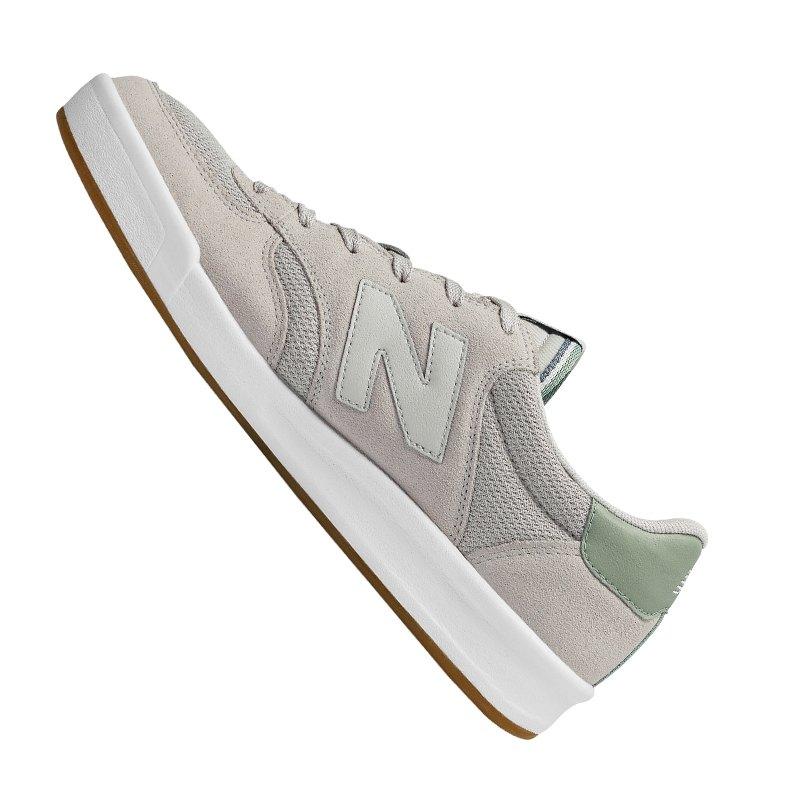 New Balance CRT300 Sneaker Grau 12