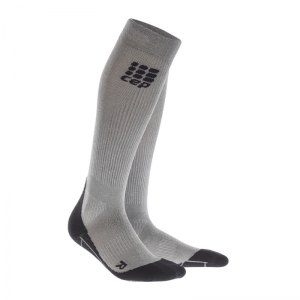 cep-metalized-socks-socken-running-damen-silber-laufen-joggen-laufsocken-struempfe-training-frauen-women-wp4449.jpg