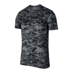 nike-baselayer-t-shirt-training-grau-f065-fitness-workout-sportbekleidung-shortsleeve-924853.jpg