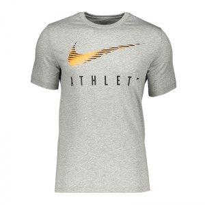nike-dri-fit-graphic-t-shirt-grau-f064-lifestyle-textilien-t-shirts-ck4273.jpg