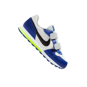 nike-md-runner-2-sneaker-kids-grau-f021-807317-lifestyle.png