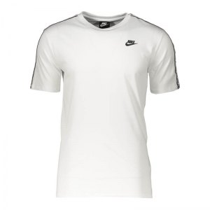 nike-repeat-tee-t-shirt-weiss-f102-ar4915-lifestyle.png