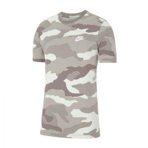 nike-aop-camo-tee-t-shirt-weiss-f121-ck3003-lifestyle.jpg