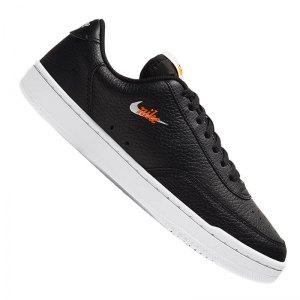 nike-court-vintage-premium-sneaker-damen-f002-cw1067-lifestyle.png