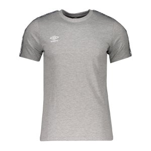 umbro-fw-taped-t-shirt-grau-f263-65777u-lifestyle_front.png