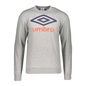 umbro-large-logo-sweatshirt-grau-fjgg-65803g-lifestyle_front.png