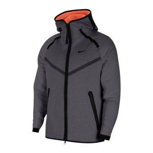 nike-tech-pack-windrunner-grau-orange-f021-cu3598-lifestyle_front.png