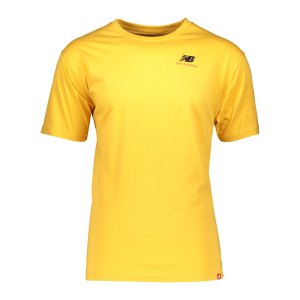 new-balance-essentials-embroidered-t-shirt-fase-mt11592-lifestyle_front.png