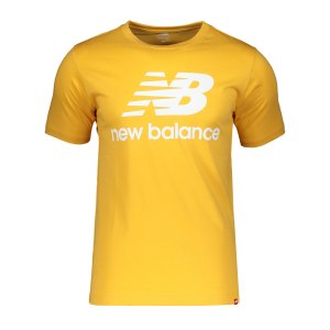 new-balance-essentials-stacked-logo-t-shirt-fase-mt01575-lifestyle_front.png