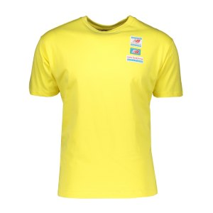 new-balance-essentials-tag-t-shirt-gelb-fftl-mt11516-lifestyle_front.png