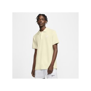nike-poloshirt-beige-weiss-f113-cj4456-lifestyle_front.png