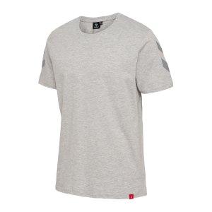 hummel-legacy-chevron-t-shirt-grau-f2006-212570-lifestyle_front.png