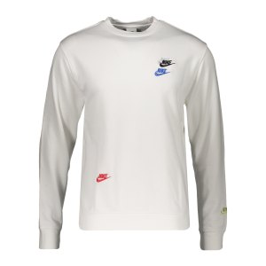 nike-essential-french-terry-crew-sweatshirt-f100-dj6914-lifestyle_front.png