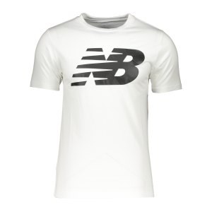 new-balance-classic-t-shirt-weiss-fwt-mt03919-lifestyle_front.png